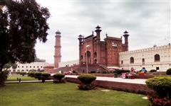 Pics of Badshahi Masjid
