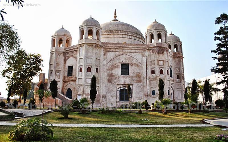 Photo of Anarkali Tomb