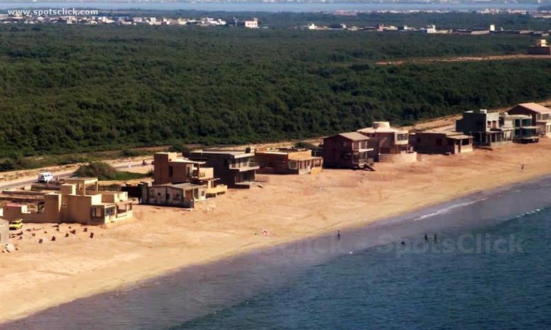 Sandspit Beach Image