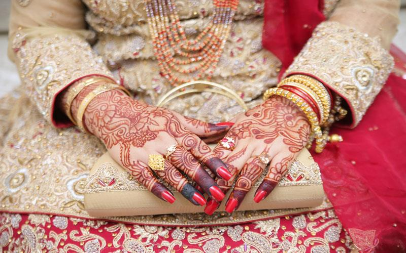 bridal-mehndi-beauty-parlour-karachi.jpg
