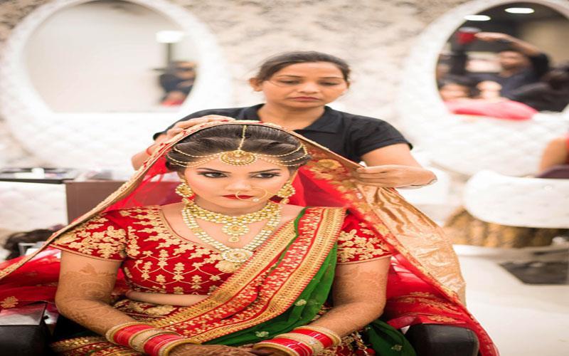 dupatta-setting-in-beauty-parlour-karachi.jpg