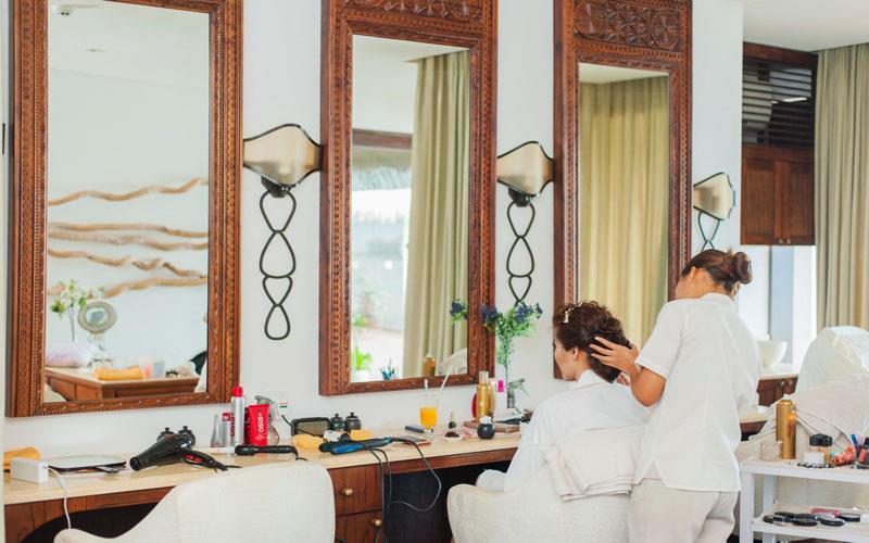 ladies-beauty-parlour-karachi-haircare.jpg