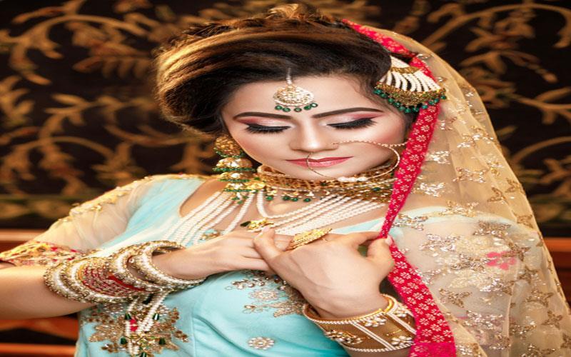 women-beauty-parlour-karachi-makeup.jpg