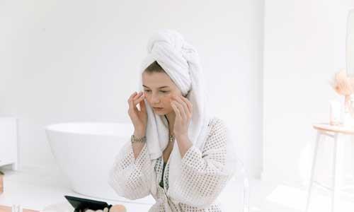 face-wash-for-dry-sensitive-skin.jpg